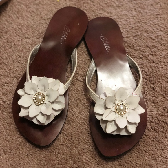 Shoes cute summer white sandals slides flower poshmark cute summer white sandals slides flower mightylinksfo